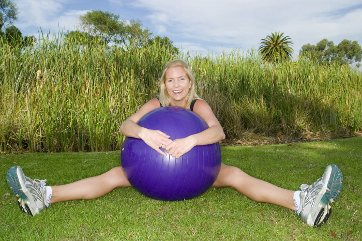 fitness ball for love handle exercises